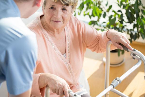 Altenpflege durch Pfleger